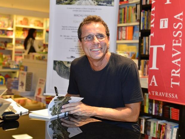 Tony Bellotto em lançamento de livro no Rio (Foto: André Muzell/ Ag. News)
