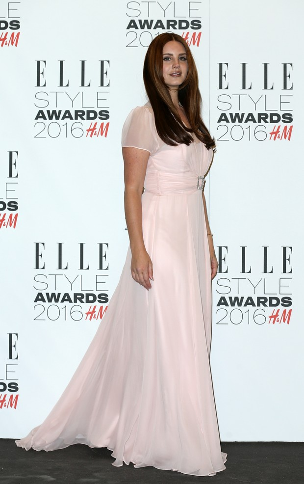 Lana Del Rey em premiação em Londres, na Inglaterra (Foto: Justin Tallis/ AFP)