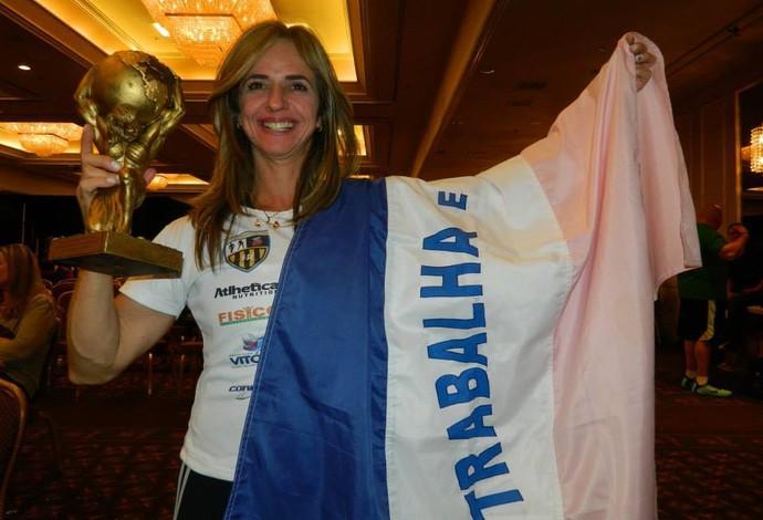 Capixaba Valesca Rocha conquistou o tri-mundial e quebrou recorde (Foto: Divulgação/Arquivo Pessoal)