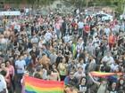 10ª Parada do Orgulho LGBT reúne milhares em Florianópolis