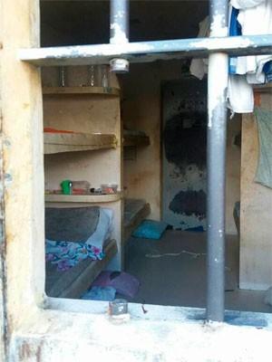 Presos serraram grades de cela de cadeia em Salvador (Foto: Divulgação/Sinspeb-BA)