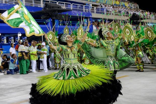 Feliciano dos Santos Junior e Raphaela Caboclo no Carnaval 2016 (Foto: Divulgação / Diego Mendes / Setor 1)