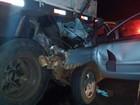 Carro bate na traseira de caminhão e deixa um morto na BR-452, em Goiás