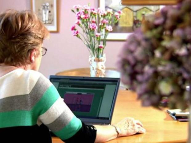 Quase 7 mil pessoas a partir de 50 anos participaram do estudo com exercícios mentais, que durou seis meses (Foto: BBC)