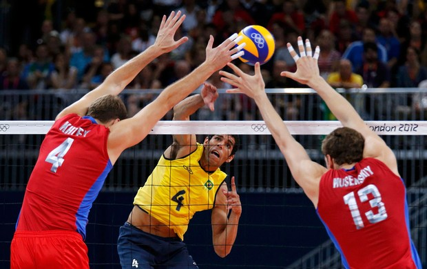 wallace russia x brasil volei londres 2012 olimpiadas (Foto: Reuters)