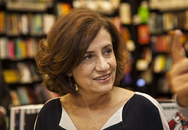A jornalista Miriam Leitão no lançamento do livro A Verdade é Teimosa (Foto: Ana Vitale)