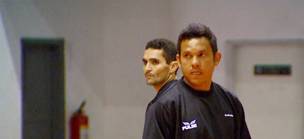 Caio e Marcinho durante treino da Ponte Preta (Foto: Reprodução EPTV)