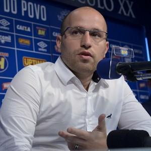 Thiago Scuro garante que Ábila será regularizado esta semana (Foto: Washington Alves / Light Press/ Cruzeiro)