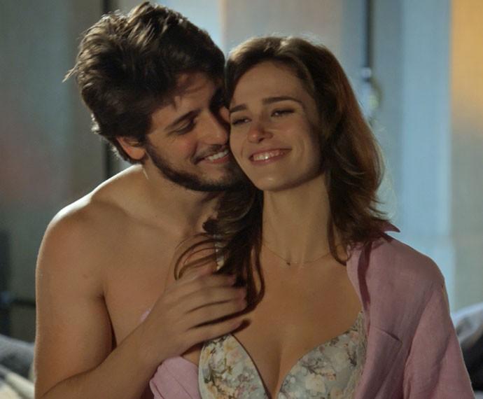 Rafael pensa em Sofia e os planos que tinha com a namorada (Foto: TV Globo)