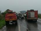 Batida entre caminhão e carro deixa 4 mortos e ferido em Nova Ponte