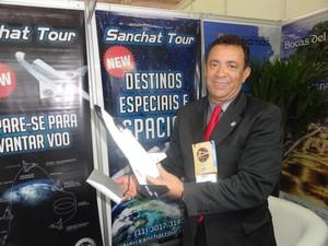 Meta de Roberto Silva é ter de quatro a cinco voos por dia (Foto: Felipe Truda/G1)
