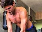 André Martinelli revela rotina de exercícios: 'Estou com 8% de gordura'