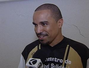 Fernando Pires, do grupo Só Pra Contrariar (Foto: Reprodução/TV Integração)