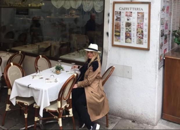 Luciana Vendramini almoça em Veneza (Foto: Reprodução/Instagram)