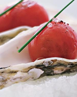 Tartar de ostras com tomate colgar (Foto: Divulgação)