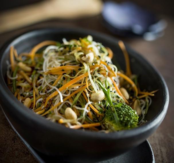 Salada Asiática com Bifum  (Foto: Divulgação)