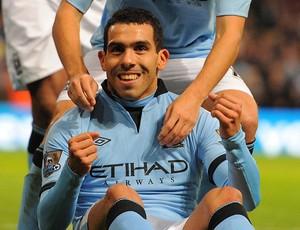 tevez Manchester City x Aston Villa (Foto: AFP)