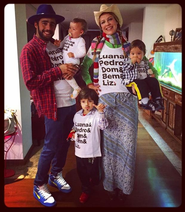Luana Piovani vai a festa junina com a família (Foto: Instagram / Reprodução)
