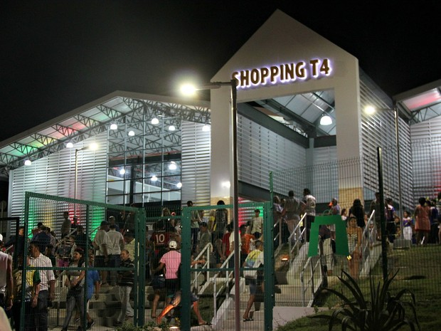 Shopping fica localizado no bairro Jorge Teixeira, na Zona Leste de Manaus (Foto: Indiara Bessa/G1 AM)