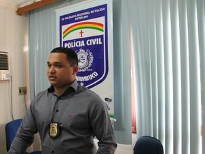 Delegado Marceone Ferreira disse que 60% dos homicídios de 2016 foram elucidado  (Foto: Taisa Alencar / G1)