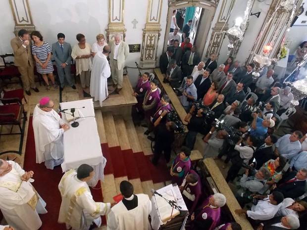 Cerimônia na Igreja de Nosso Senhor do Bonfim (Foto: Ruan Melo/ G1)