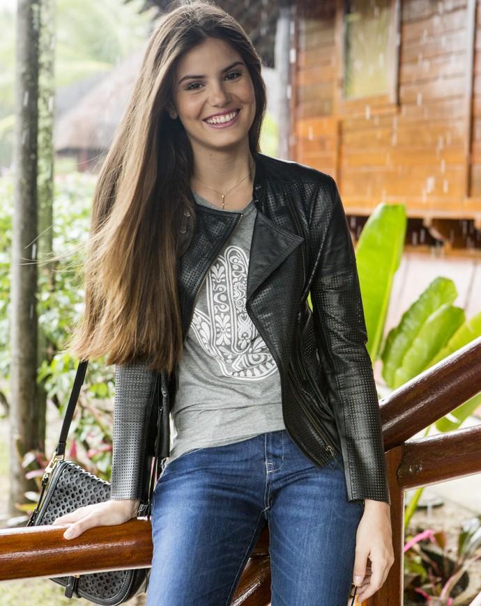 Aí ela vem com esse sorriso e ninguem resiste! Camila Queiroz musa! (Foto: Felipe Monteiro / Gshow)
