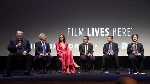 Randy Newman, Dustin Hoffman, Grace Van Patten, Ben Stiller, Adam Sandler e Noah Baumbach (Foto: Getty Images)