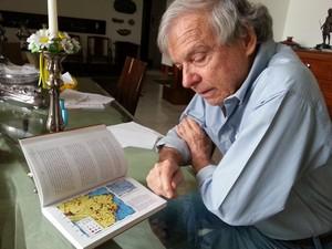 O professor aposentado da Universidade de Brasília, José Alberto Vivas Veloso (Foto: Raquel Morais/G1)