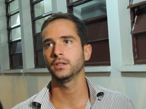 O publicitário Othon Floris levou um susto ao ver o nome associado com um crime (Foto: Pedro Carlos Leite/G1)