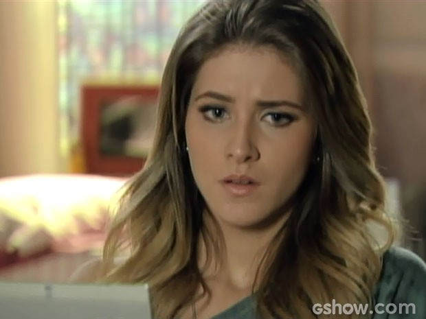 Sofia não sabe se vai morar com Ben nos EUA ou fica no Brasil com Sidney (Foto: Malhação/ TV Globo)