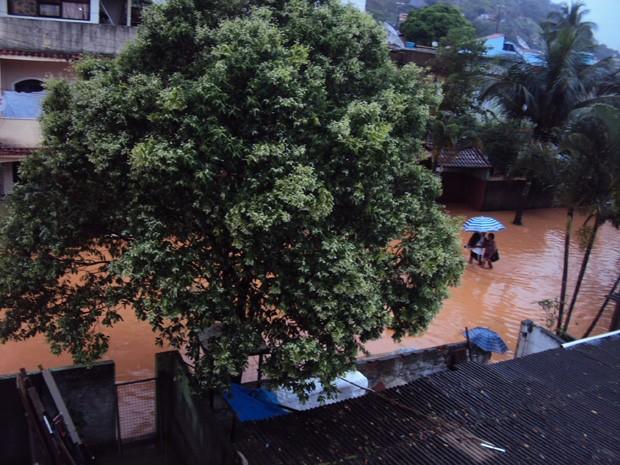 Leitora registrou enchente em Mangaratiba, RJ (Foto: Seigmar Esteves Andrade/VC no G1)