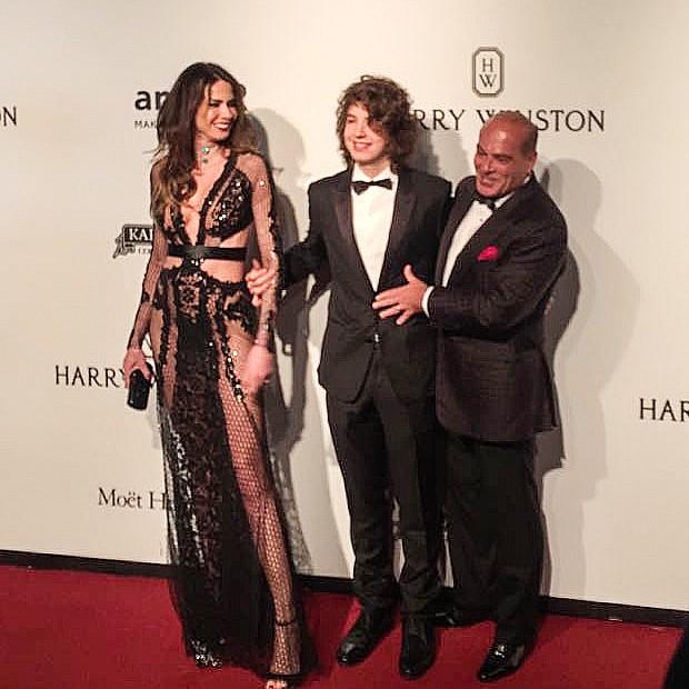 Luciana Gimenez e família (Foto: Vogue Brasil)