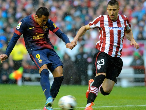 alexis sanchez barcelona Borja Ekiza Atlético Bilbao (Foto: Agência AFP)