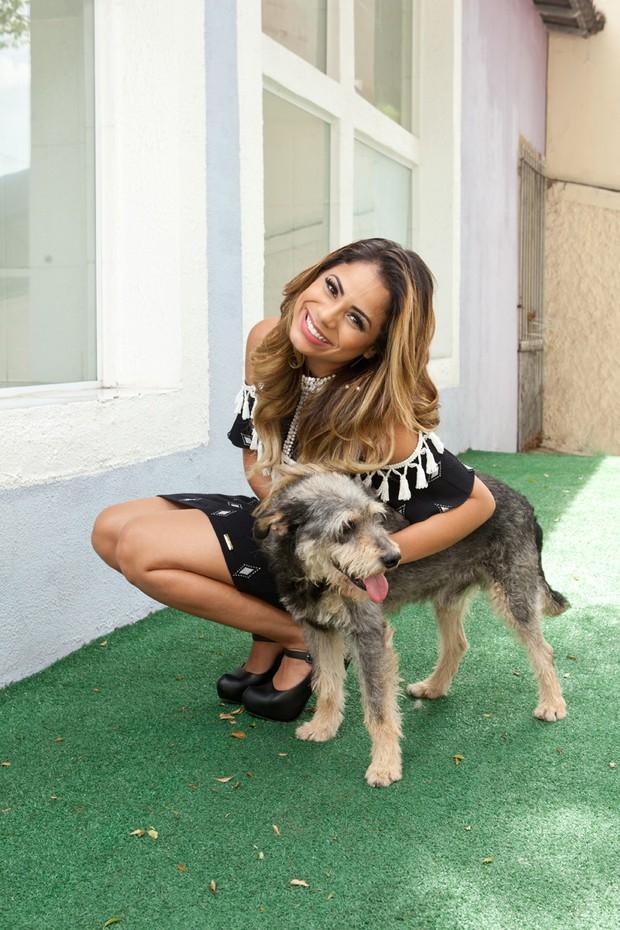 Lexa participou do ensaio fotográfico para arrecadar fundos para PetVan (Foto: Divulgação / Adriana Barbosa)