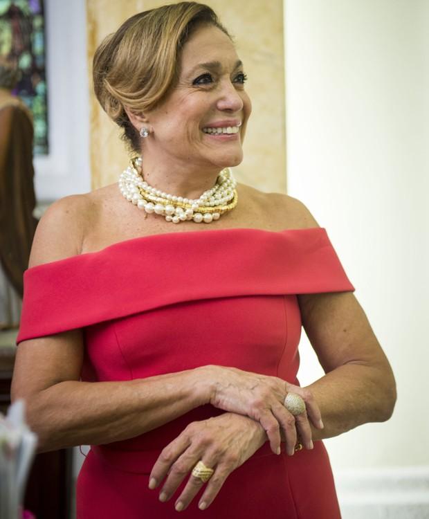 Susana Vieira interpreta a ambiciosa Cora, mãe do noivo (Foto: Divulgação/TV Globo)