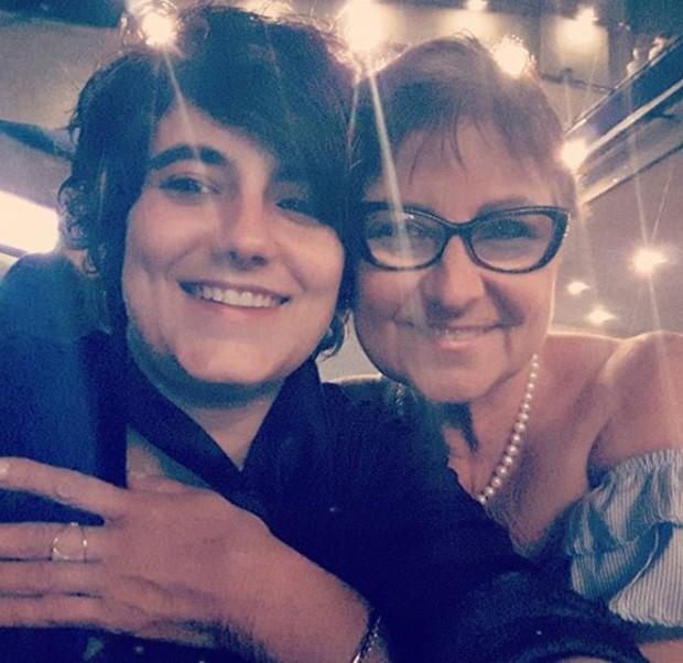 Simone Malafaia, namorada de Sandra de Sá, com a mãe (Foto: Reprodução/Instagram)