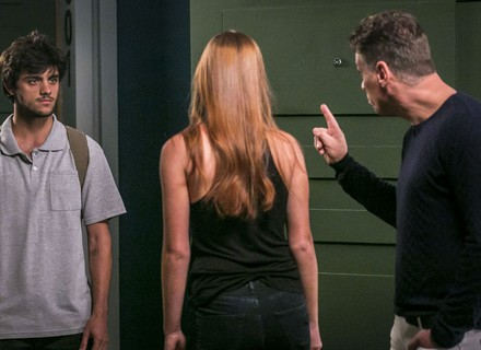 Teaser: Arthur tenta impedir que Eliza encontre Jonatas