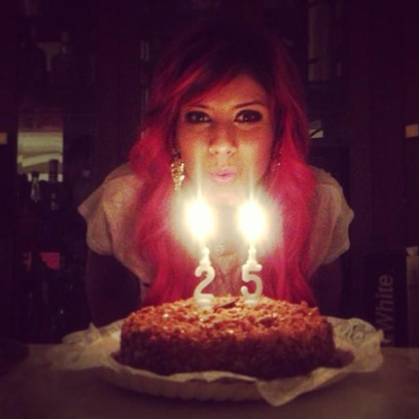 Thais Bianca comemora seus 25 anos (Foto: Instagram/ Reprodução)