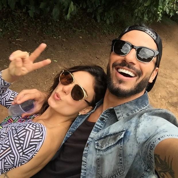 Isis Valverde e Uriel Del Toro (Foto: Instagram / Reprodução)