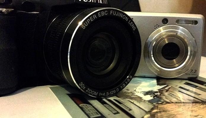 Registrando a imagem manualmente com câmera ou celular (Foto: Barbara Mannara/TechTudo)