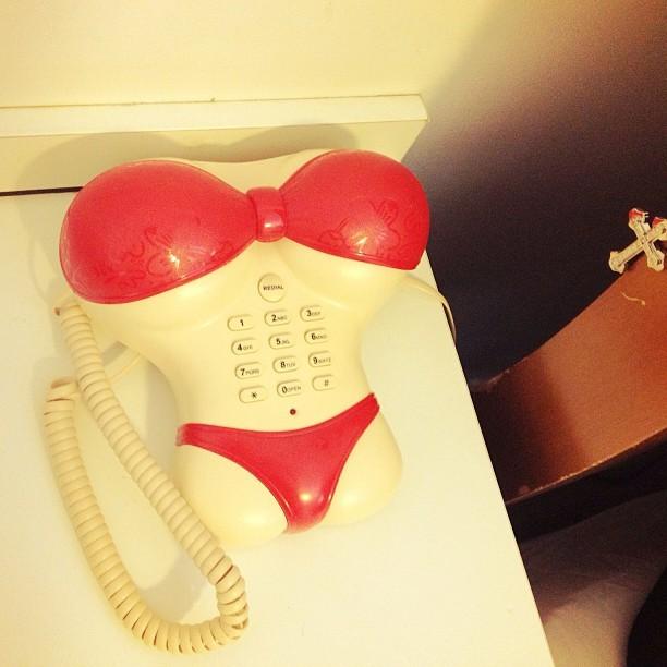 Fiuk mostra telefone que ganhou da mãe (Foto: Instagram)
