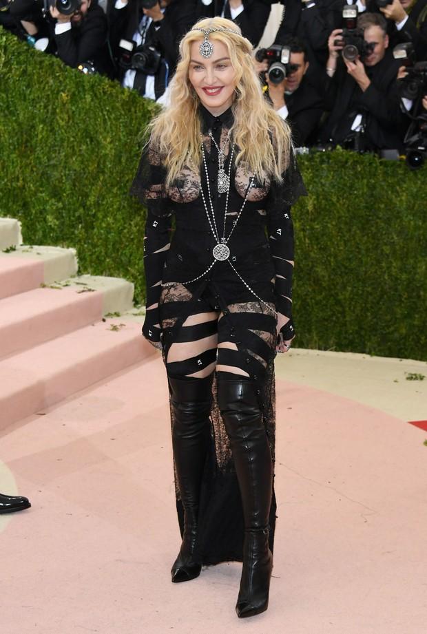 Madonna no baile de gala do MET (Foto: Getty Images)