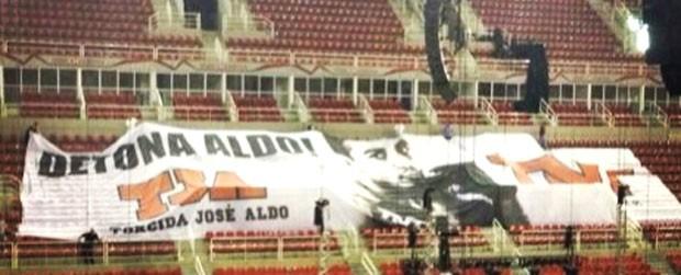 Bandeirão José Aldo (Foto: Ana Hissa)