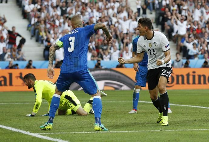 Mario Gómez Alemanha x Eslováquia (Foto: Reuters)