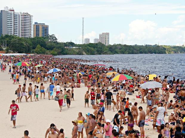 Praia da Ponta Negra deverá ser interditada, decide prefeitura de Manaus (Foto: Adneison Severiano G1/AM)