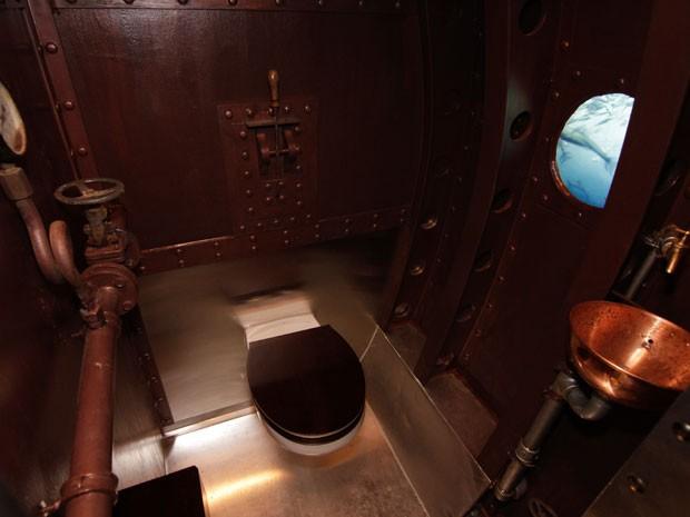 Banheiro de submarino (Foto: Globetrotter)