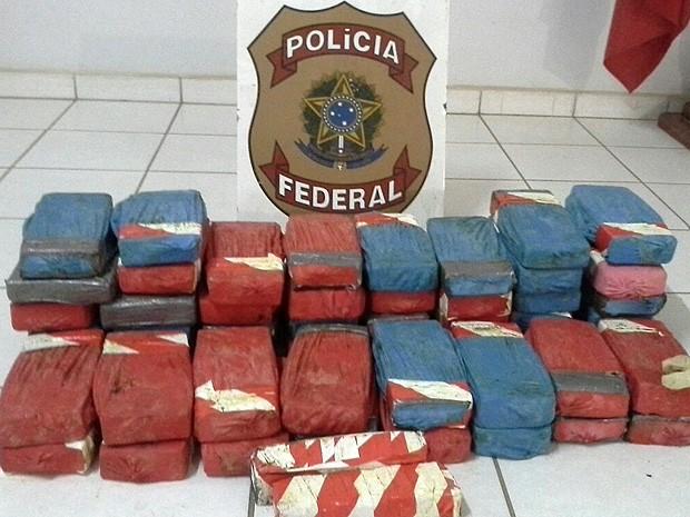 Polícia Federal apreendeu 53kg de crack e cocaína na BR-230 (Foto: Divulgação/Polícia Federal)