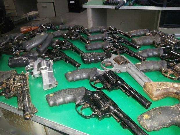 Material foi todo levado a delegacia do município (Foto: PM/Divulgação)