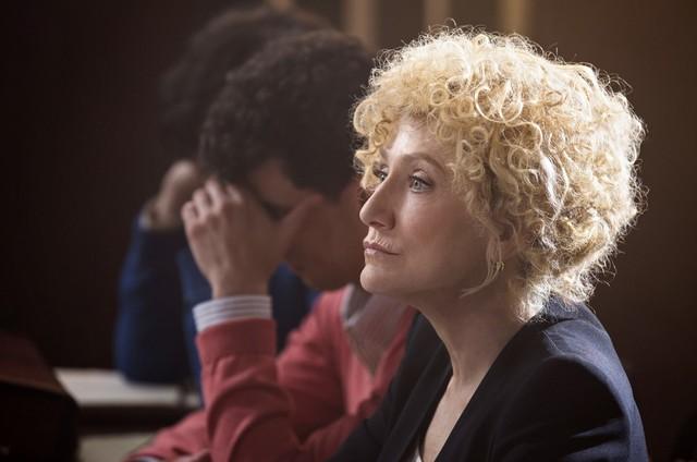 Edie Falco em 'Law & Order: True Crime' (Foto: Diivulgação/NBC)