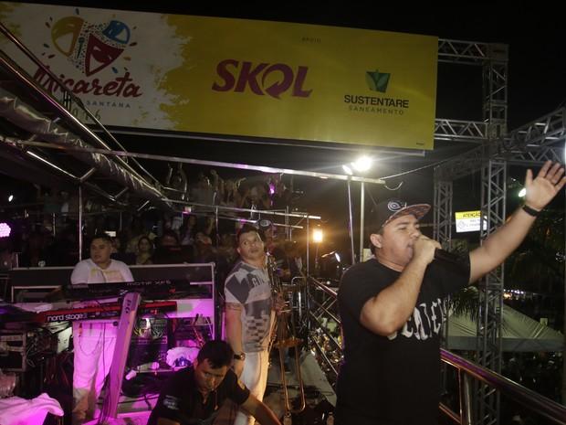 Xand, do Aviões do Forró, em show em Feira de Santana, na Bahia (Foto: Fred Pontes/ Divulgação)